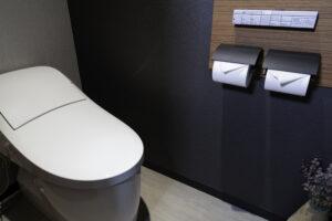 トイレのタンクから水漏れトラブル!タンクレストイレはどう対処すればいい?