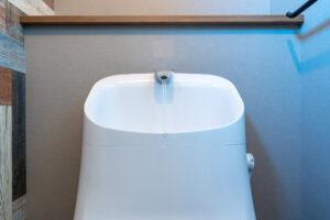 ロータンクからの水漏れはまず部品をチェック!水漏れは自分でも直せる?