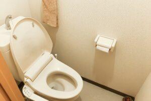 トイレの床が水浸し?トイレと床の隙間からの水漏れについて
