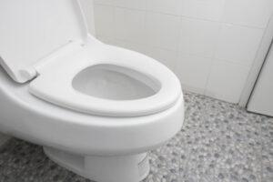 トイレに異物を落としたら詰まりが発生!おすすめの対処法を紹介