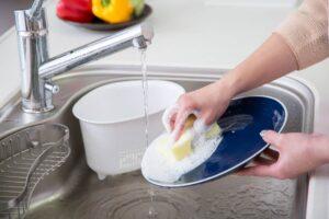 キッチンのぬめりの原因と予防方法