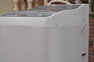 洗濯機周りの水漏れ被害…見落としがちな「排水ホース」の掃除・交換方法とは
