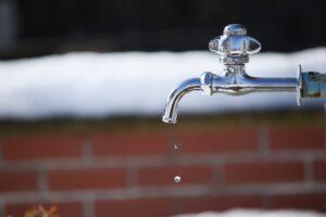 水道管が凍結してしまった!どうすればいい?