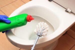 トイレから下水の嫌な臭い!臭いの原因と対処方法