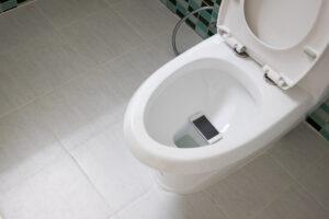 トイレつまりの原因と自分でできる解決方法
