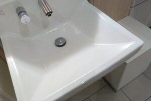 洗面所の詰まりは100均アイテムで解決できる!おすすめアイテムと手順を解説