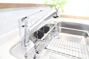 キッチン排水口の嫌な臭いから卒業しよう!効果的な予防法4つ