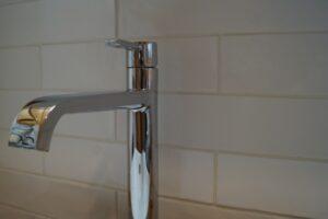 洗面所の排水管にピアスを落としたときの対処法は?